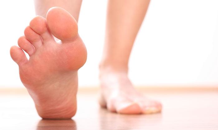 علت درد قوس کف پا و درمان آن